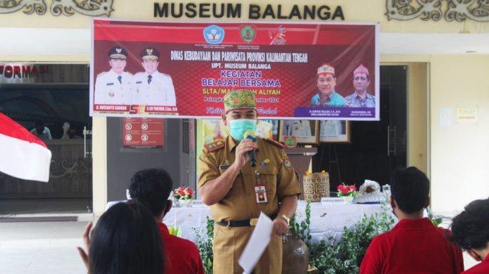 Siswa SMA Palangkaraya Belajar Bersama di Museum Balanga untuk Mencintai Budaya Kalteng
