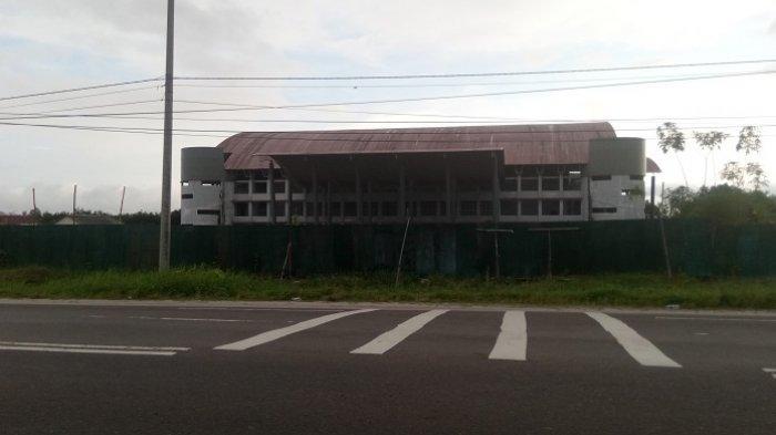 Habiskan Puluhan Miliar Rupiah, Gedung Sport Center di Jalan Tjilik Riwut Terbengkalai