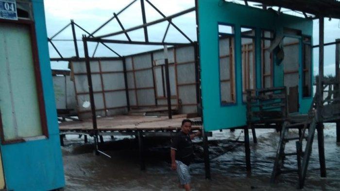 Ombak Laut Terjang Tiga Rumah Nelayan Muarakintap Tala Kalsel Rusak