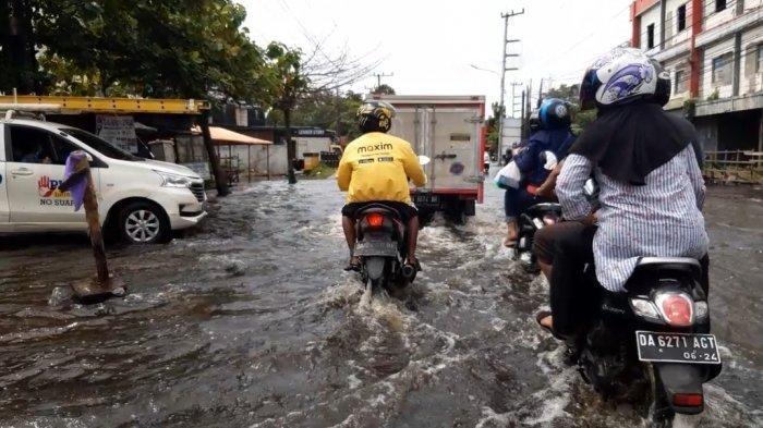 VIDEO Genangan Masih Rendam Beberapa Jalan Utama di Banjarmasin Timur