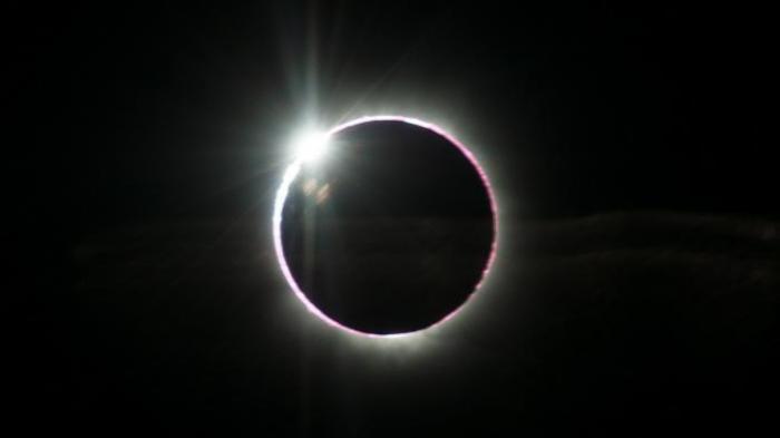 Hari Ini 2 Juli 2019 Gerhana Total Matahari, Bahaya Dilihat Langsung, Begini Cara Mengamati Via HP