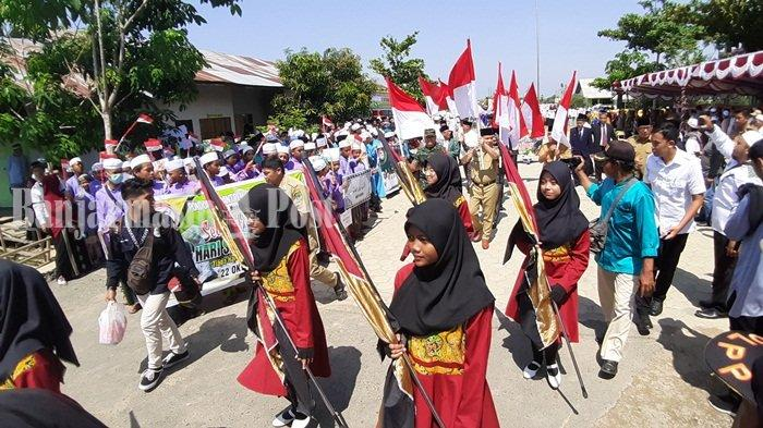 Hari Santri Nasional 2109 di Kabupaten Kapuas Kalteng, Ribuan Santri Ikuti Apel dan Kirab