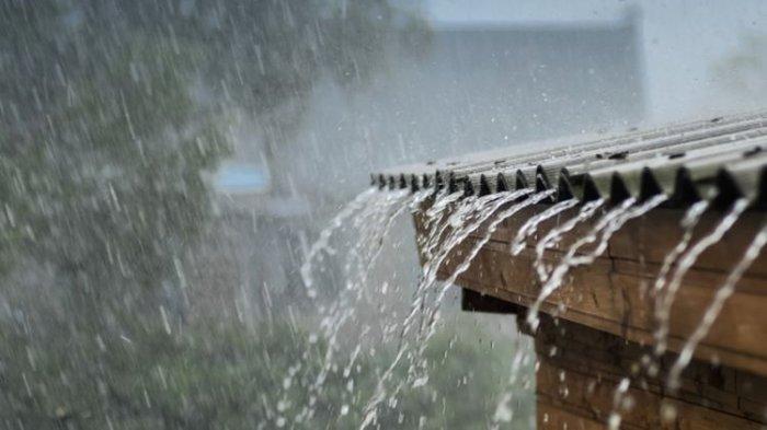 Hujan Hantui Kalsel ke arah Utara, Warga Diminta Waspada