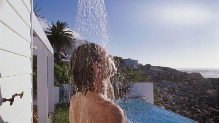 Setelah Berolahraga, Sebaiknya Mandi Air Dingin atau Air Panas?