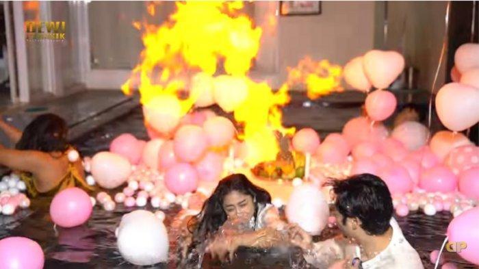 Kejutan Ultah Angga Wijaya Jadi Petaka, Dewi Perssik Langsung Kabur Saat Ada Api