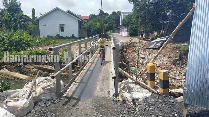 Jembatan Almanar Banjarbaru Kalsel Ambruk Akibat Banjir Dianggarkan Rp 1,2 Miliar