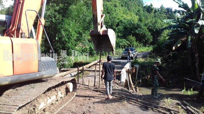 Jembatan Rusak Kalsel, Jembatan Darurat di Perbatasan Sampanahan Selesai Dibangun Hari Ini