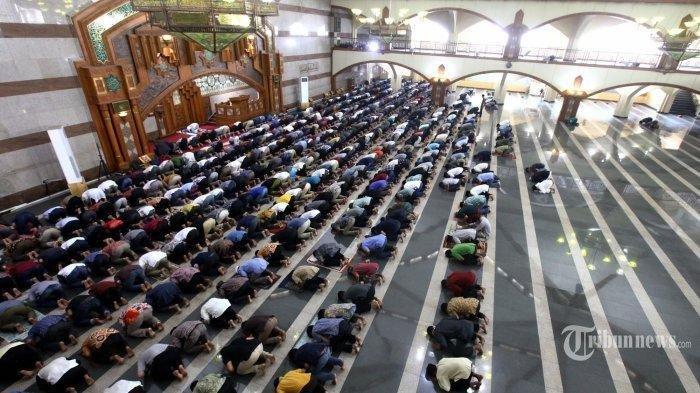 Doa dan Amalan Jumat, Hari Penuh Pahala dan Keistimewaan Bagi Umat Islam