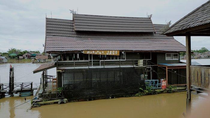 KaltengPedia - Kafe Terapung Dermaga Wisata Flamboyan Palangkaraya