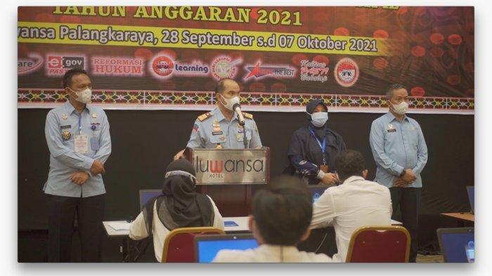 Kepala Kanwil Kemenkum HAM Kalteng, Ilham Djaya membuka langsung pelaksanaan kegiatan SKD CAT di Hotel Luwansa, Palangkaraya, Selasa (28/9/2021)