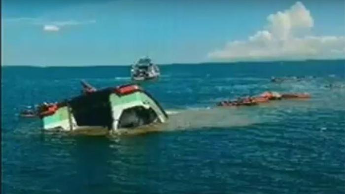 Kapal Pengangkut Sapi Tujuan Banjarmasin Tenggelam di Ketapang