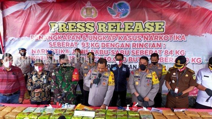 Tangkap Pria Banjarmasin Ini di Lampung, Polisi Amankan 93 Kg Narkoba