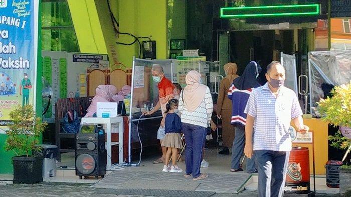Warga Lansia di Sampit Kotim Antusias Ikuti Vaksinasi Covid-19, Satgas Ingatkan Protokol Kesehatan