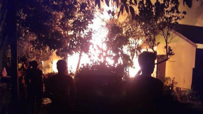 Kebakaran di DesaTerusan Raya Kapuas Kalteng, Korban Luka Bakar Dievakuasi Lewat Jalur Sungai