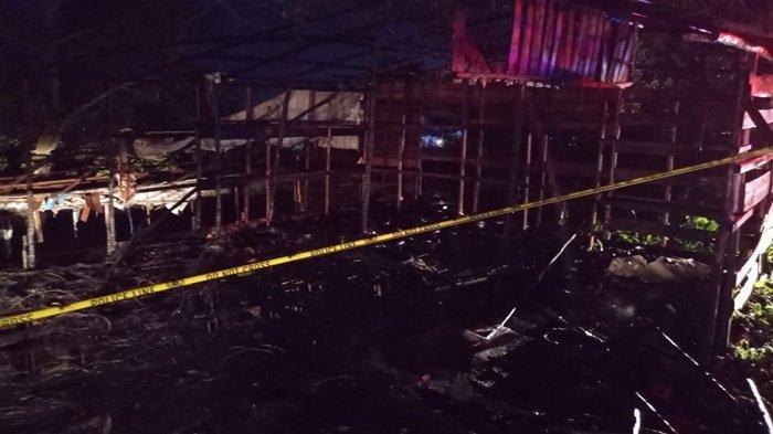 Bangunan Bekas Bengkel di Jalan Tingang Ujung Palangkaraya Kalteng Ludes Terbakar