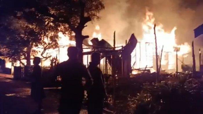 Kebakaran di Desa Tatas Hilir Pulau Petak Kapuas, Tiga Rumah Dilalap Api