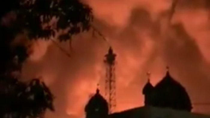 Adzan Berkumandang dari Masjid di Lokasi Kebakaran Pasar Pujon Kapuas Kalteng