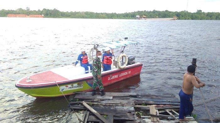 Kelotok dan Jamban Apung Tertabrak Tanker Pertamina di Mentaya Sampit