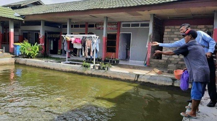 Rutan Kelas IIB Kualakapuas Ajak Warga Binaan Budidaya Ikan Patin