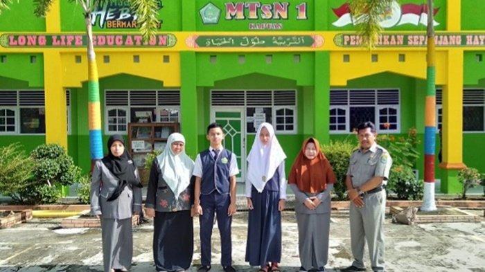 Peserta Didik MTsN 1 Kapuas Kalteng Raih Juara di Kompetisi Sains Madrasah Nasional