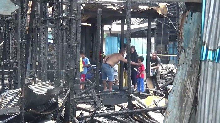 Korban Kebakaran di Mambulau Berkumpul di Langgar Harapkan Bantuan