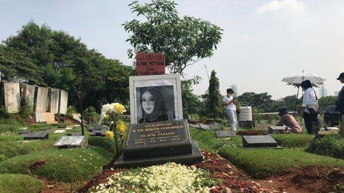 Makam Rina Gunawan Masih Harum Bunga Kuburan, Keluarga dan Penggemar Sering Berkunjung