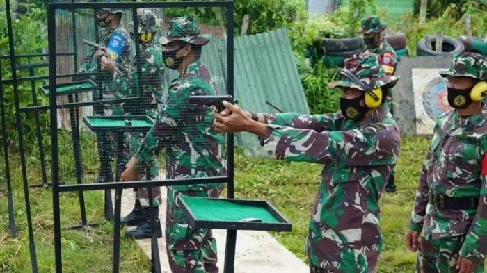 Tetap Disiplin Protokol Kesehatan, Prajurit Kodim 1011/KLK Kualakapuas Latihan Menembak