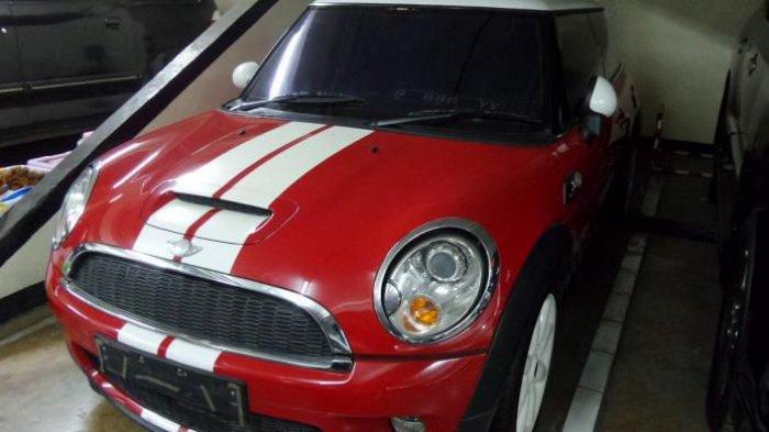 Wow! Ini Kesempatan Beli Mobil Mewah dengan Harga Miring, Buruan ke Sini