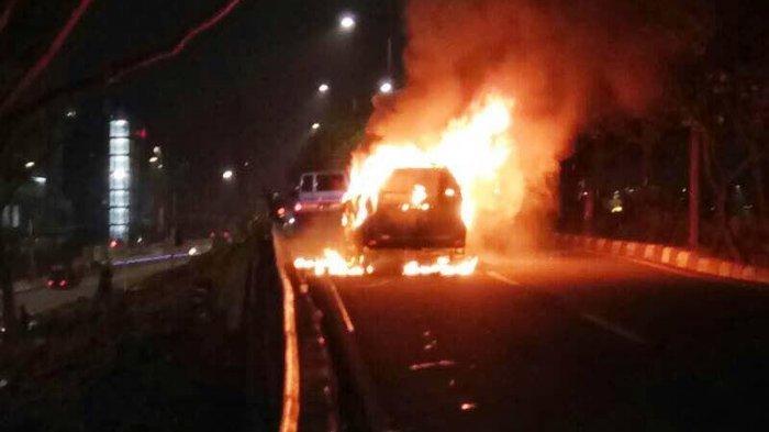Tragis! Mobil Mendadak Terbakar di Jalan, Bocah 5 Tahun Tewas