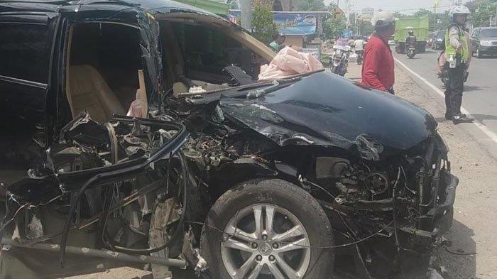 Tabrak Truk Saat Mengemudikan Honda CRV ini, Kepala Puskesmas Tewas Terjepit Kemudi