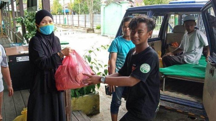 MTsN 2 Kapuas Bantu Korban Banjir Kalsel, Disalurkan Lewat Relawan
