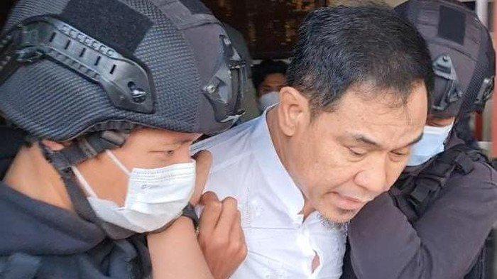 Penangkapan Munarman oleh Densus 88 Diduga Terkait Terorisme
