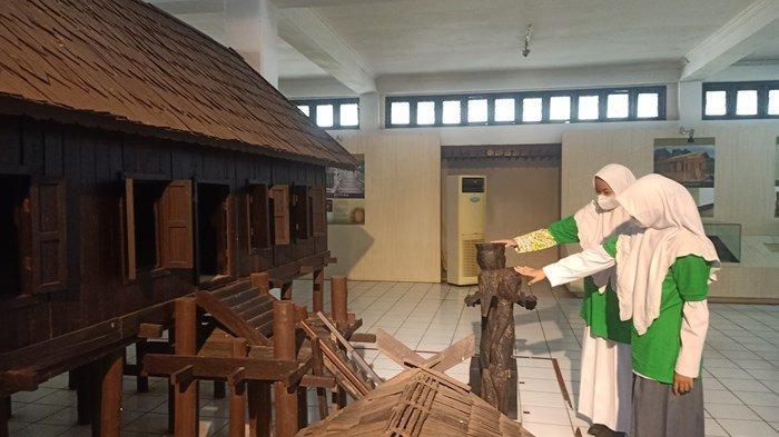 NEWS VIDEO, Museum Balanga Memiliki Koleksi Pameran Cerita dan 10 Jenis Klasifikasi Budaya Dayak