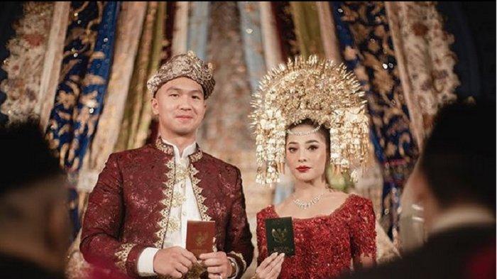 Sah, Nikita Willy dan Indra Priawan Menikah dengan Maskawin Emas 75 Gram