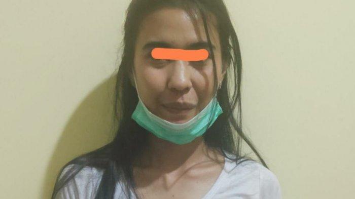 Polisi Sita 53,68 Gram Sabu Dibungkus Tisu dalam Tas Gadis Cantik di Sampit ini