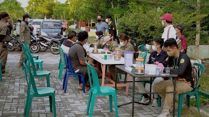 Pengendara Tanpa Masker Terjaring Operasi Yustisi di Palangkaraya saat Melintas di Jalan RTA Milono
