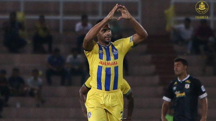 Pemain Bek Pahang FA Cetak Gol Spektakuler yang Bakal Tercatat di FIFA Puskas Award