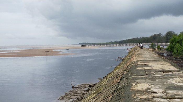 Sebelum Resmi Ditutup, Dua Objek Wisata Pantai di Kalteng Ini Ramai Dikunjungi Warga