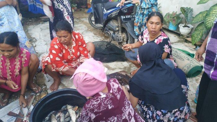 Warga Desa Sungai Batang Kabupaten Banjar Mengungsi Hingga Guntung Manggis Banjarbaru