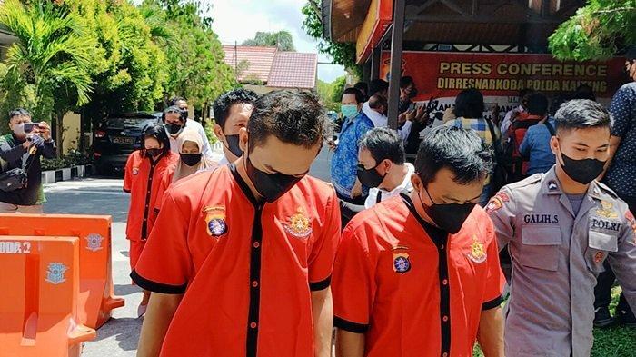 Lima Pengedar Sabu Palangkaraya Kalteng Diringkus, Barbuk Hampir Dua Ons Sabu Disita Polisi
