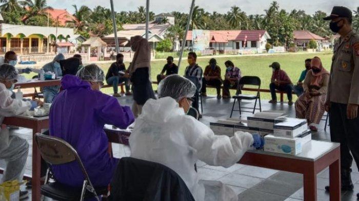 Rapid Test Petugas KPPS di TPS Pulau Hanaut Kotim Dipantau Polisi