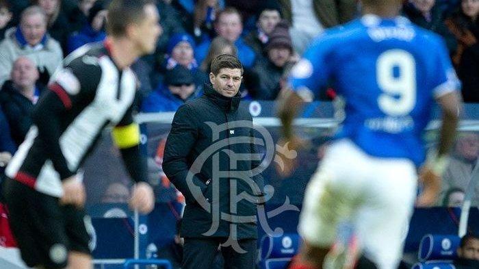 Liga Skotlandia - Banyak Gol Rangers FC atas St Mirren dari Penalti, Tetap Celtic di Puncak Klasemen