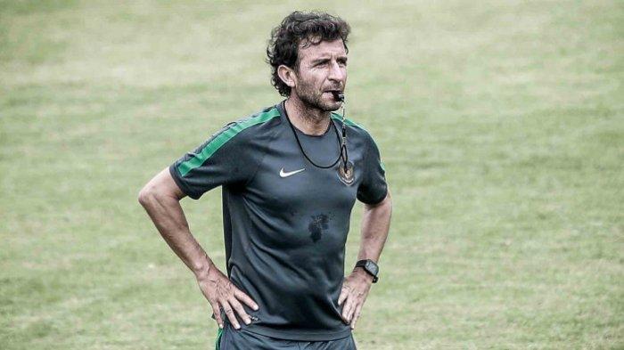 Luis Milla Diperpanjang Kontraknya Hingga 2019, Bersediakah Pelatih Asal Spanyol Ini?
