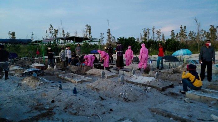 Jenazah Hartini Akhirnya Dikubur di Pemakaman Umum Palangkaraya Setelah Keluarga 'Ngamuk'