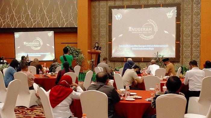 Apresiasi Pengguna Jasa Berkontribusi Besar, Kantor Bea Cukai Sampit Diberikan Penghargaan
