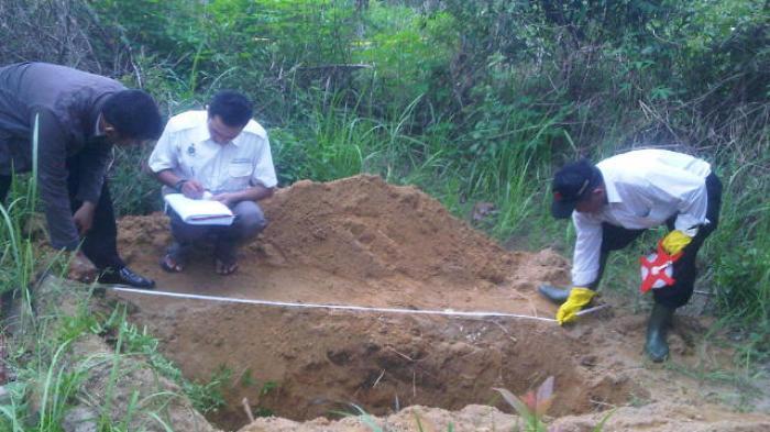 Makam Simin Dibongkar Orang Tak Dikenal
