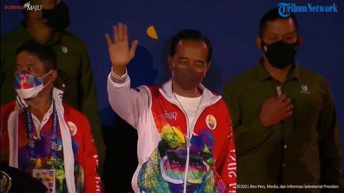 Lambaian Tangan Presiden Jokowi untuk Kontingen Kalimantan Tengah di Pembukaan PON XX Papua