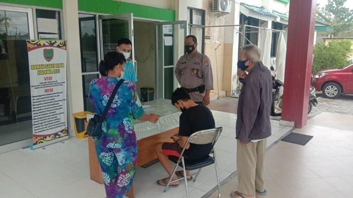 Resahkan Warga, Polisi Amankan Pemuda Stres Mengamuk Bawa Parang di Bukit Tunggal Palangkaraya