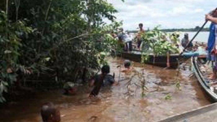 Hari Ketiga Pencarian Kai Kurnain, Penyelam Tradisional Terjun ke Sungai Kapuas