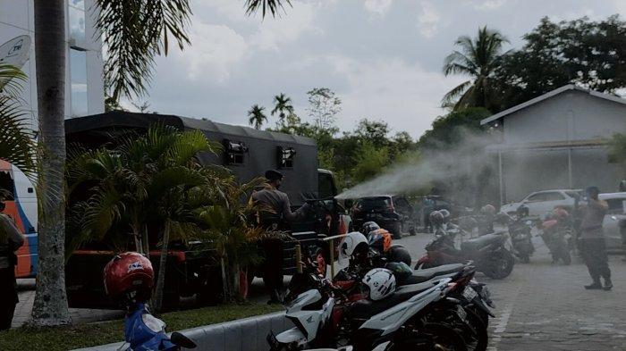 Seminggu Tiga Kali, Penyemprotan Disinfektan Dilakukan di Tempat Berbeda di Palangkaraya